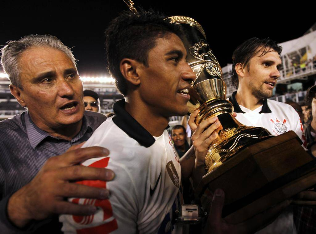 Logo em seguida, porém, o Corinthians conquistou o título do Paulistão. Mais um sob o comando de Tite. Foto: REUTERS/Paulo Whitaker