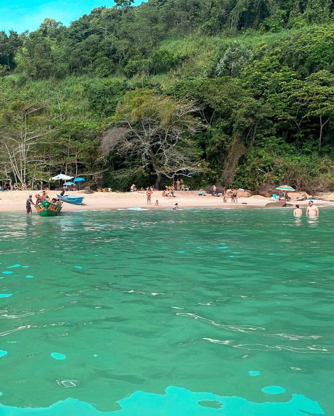 Os quiosques só ficam na Ilha do Prumirim na alta temporada, então leve seu lanche e guarde seu lixo. Foto: Instagram/@goabilio