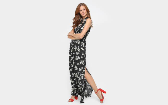 Vestido Forwht Evasê Longo Estampado por R$89,90 na promoção. Foto: Divulgação