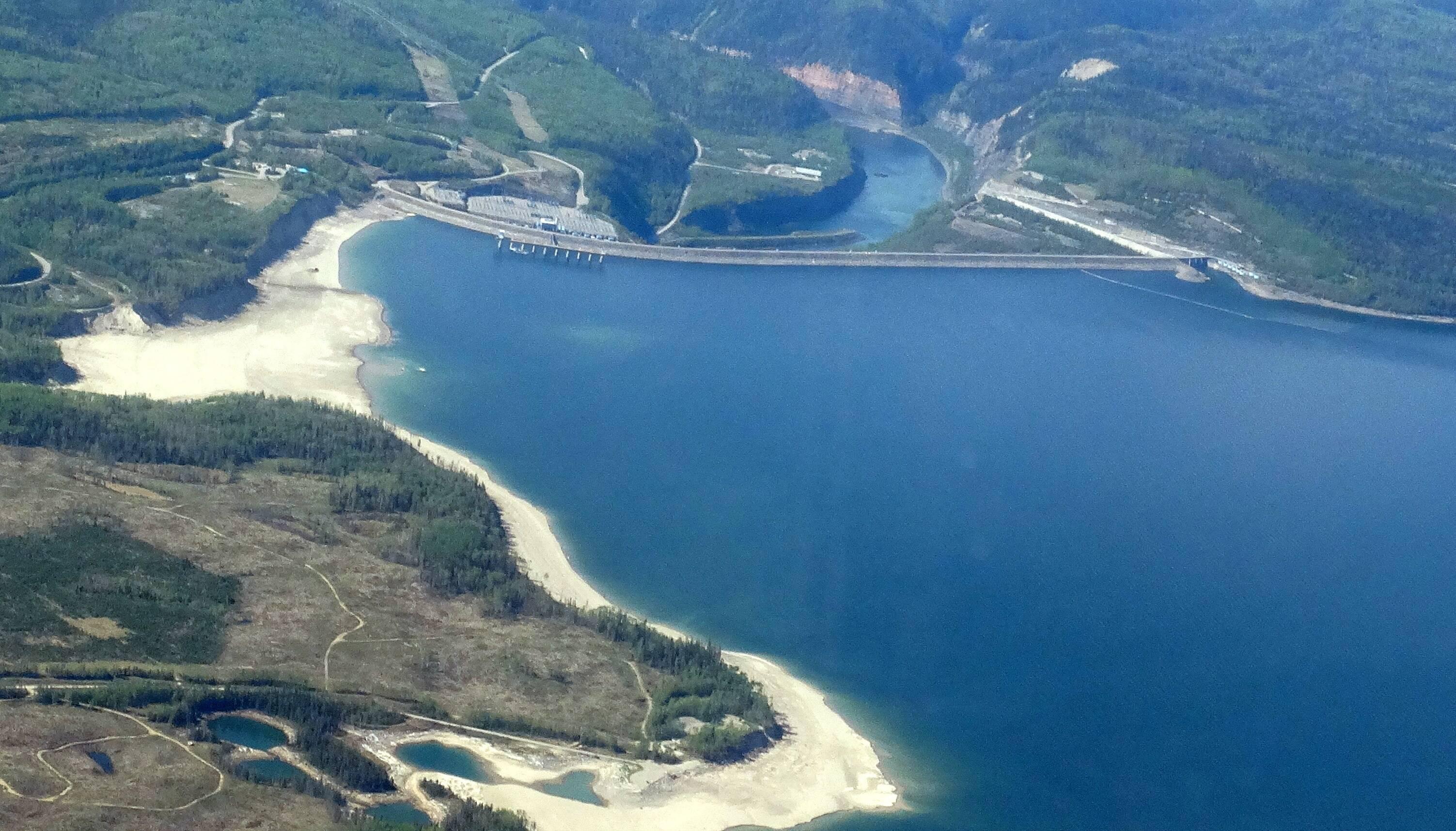 Criado em 1968 e com área inundada de mais de 1700 km², é um dos principais lagos artificiais do Canadá . Foto: Creative Commons