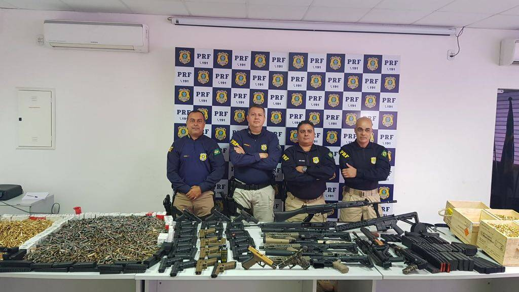 Material apreendido pelos Policiais durante blitz na Dutra. Foto: Divulgação/Polícia Rodoviária Federal
