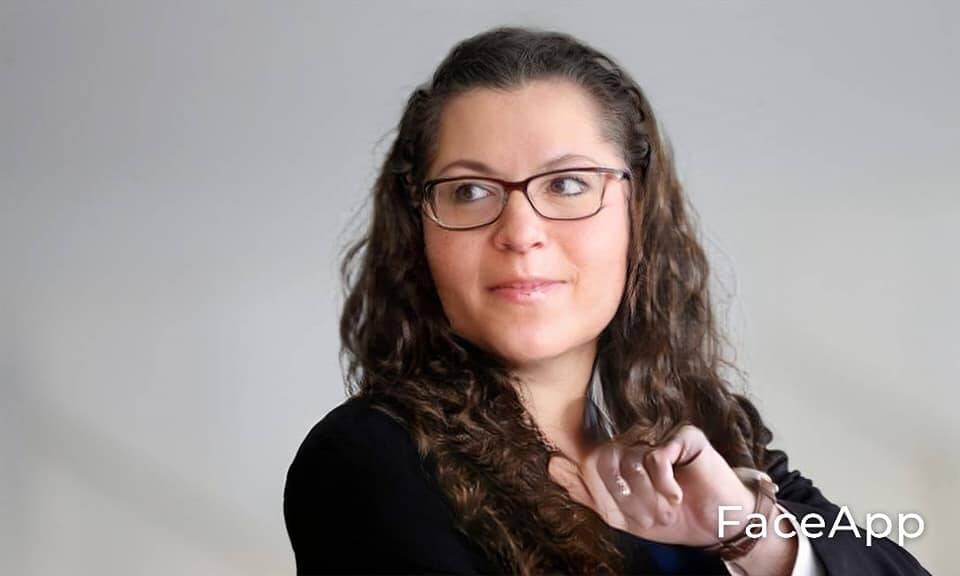 Ernestina Araújo, a paranóica. Foto: Reprodução/Facebook