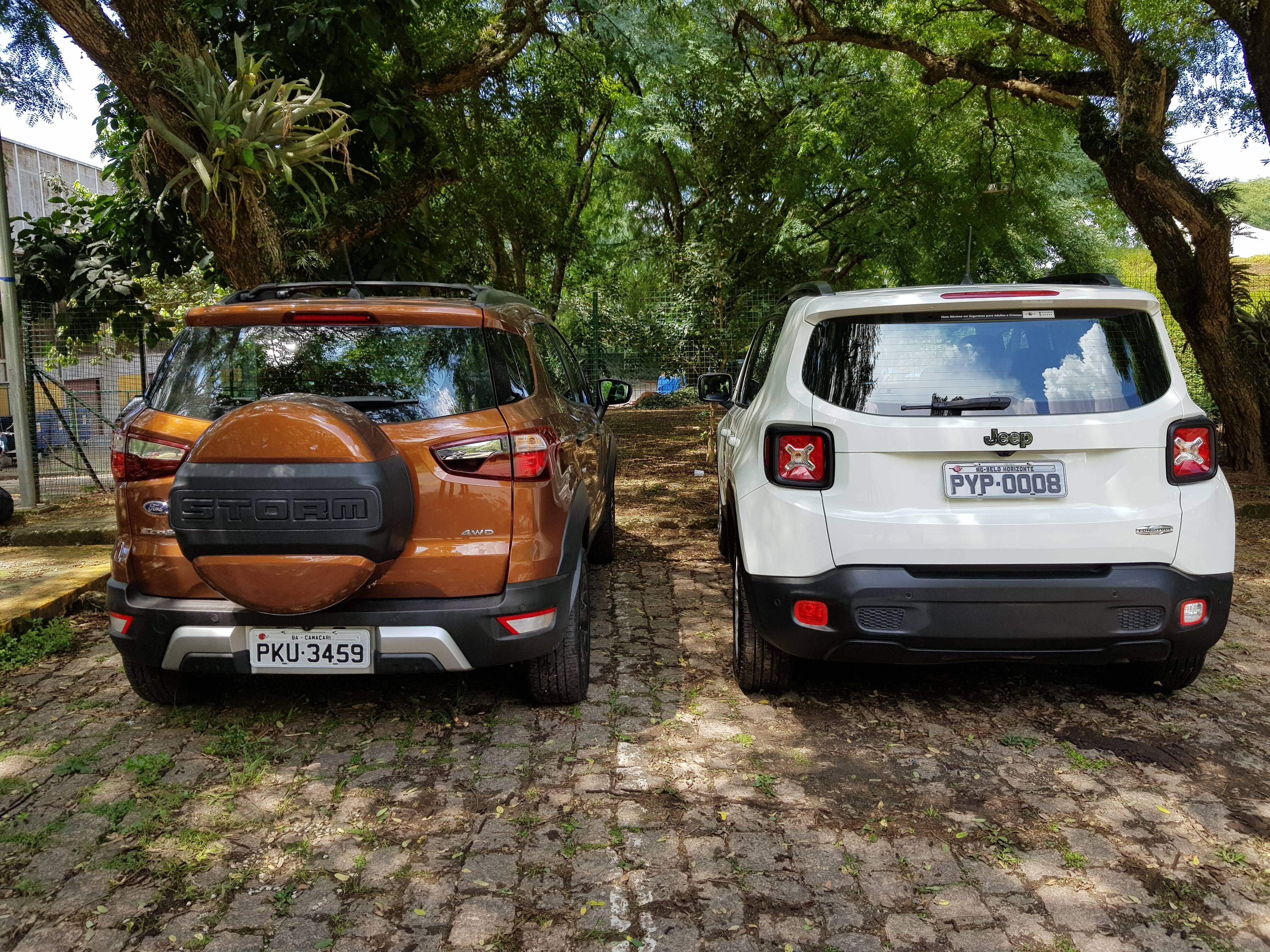 Visto de traseira, a nova versão com EcoSport tem capa do estepe pintada na cor do carro e detalhe exclusivo decorativo. Foto: Caue Lira/iG
