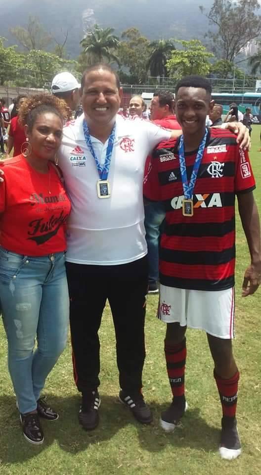 Tragédia no Flamengo! Jorge Eduardo Pereira Santos tinha 15 anos de idade. Foto: Twitter/Reprodução