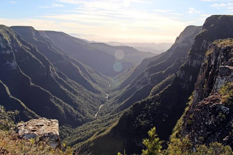 Vista de cima do Cânion Fortaleza, que possui 1.240 metros do nível do mar. Foto: Reprodução