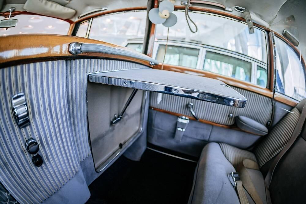 Mercedes 300 Adenauer. Foto: Divulgação
