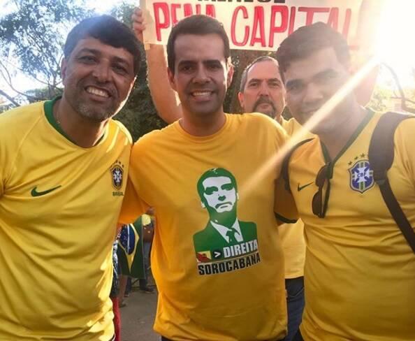 Vinicius Rodrigues tem Bolsonaro como um modelo político. Foto: Reprodução/Instagram