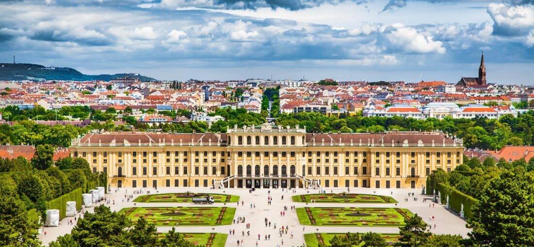 O Palácio de Schönbrunn foi por muito tempo a casa de veraneio dos Habsburgos. Foto: Reprodução/Guerra Tur