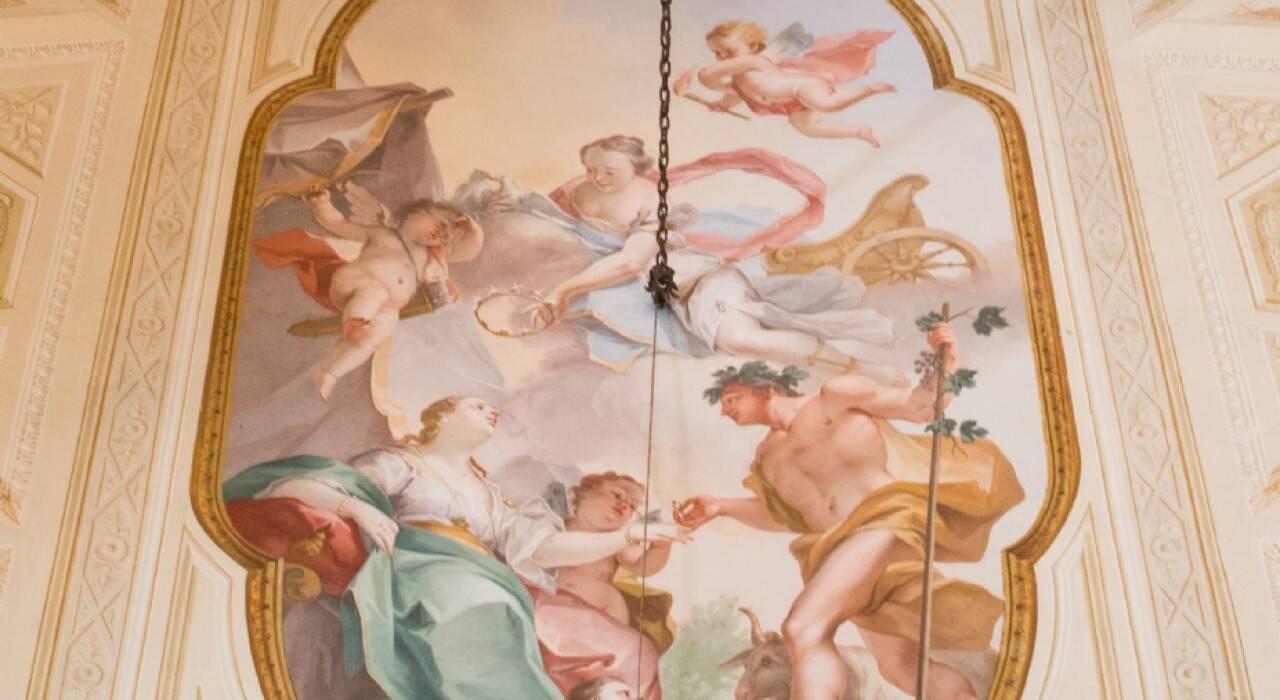 Construída em meados do século 15, a casa conta até com um afresco pintado pelo artista italiano Aurelio Busso. Foto: Reprodução/House & Loft