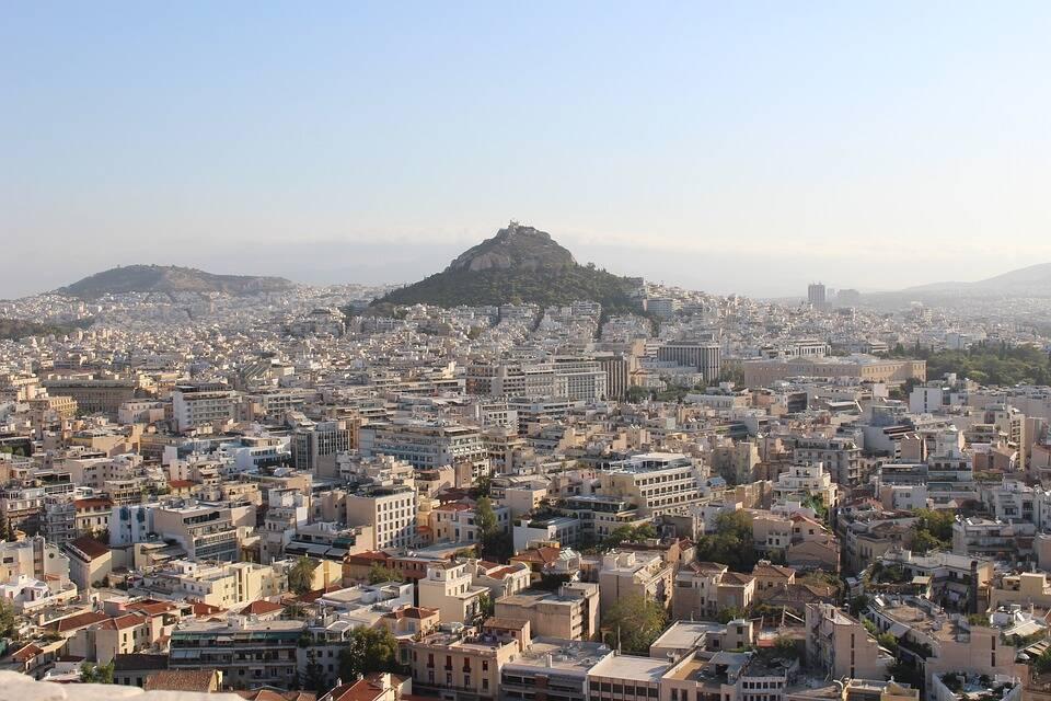 O Monte Licabeto pode ser visto de Acrópole. Foto: Pixabay