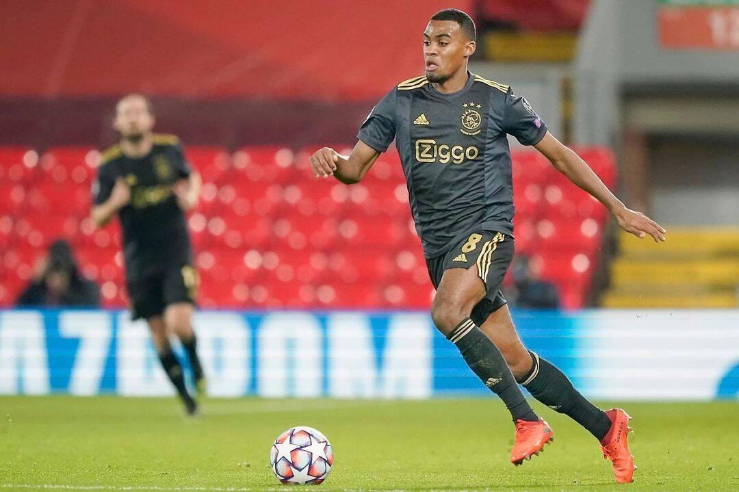 O meia do Ajax, Ryan Gravenberch, é um dos melhores jogadores que a Holanda produziu nos últimos anos. Foto: Reprodução/Instagram