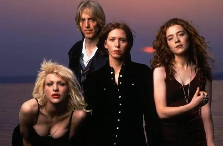 Apesar de ter sua história ofuscada, o Hole, liderado por Courtney Love, foi uma banda relevante ao retratar temáticas femininas pelo rock alternativo. Foto: Reprodução