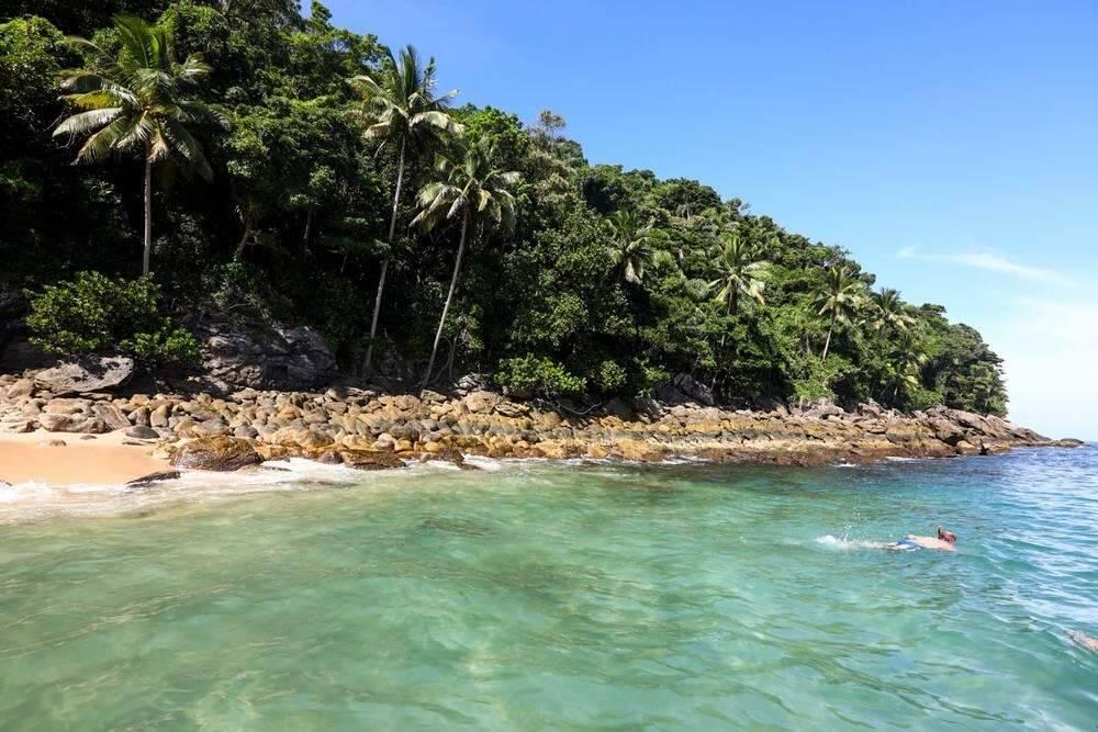 Pela falta de ondas, a região da Ilha do Gato é ótima para passar o dia em alto mar. Foto: Reprodução/Melhores Destinos