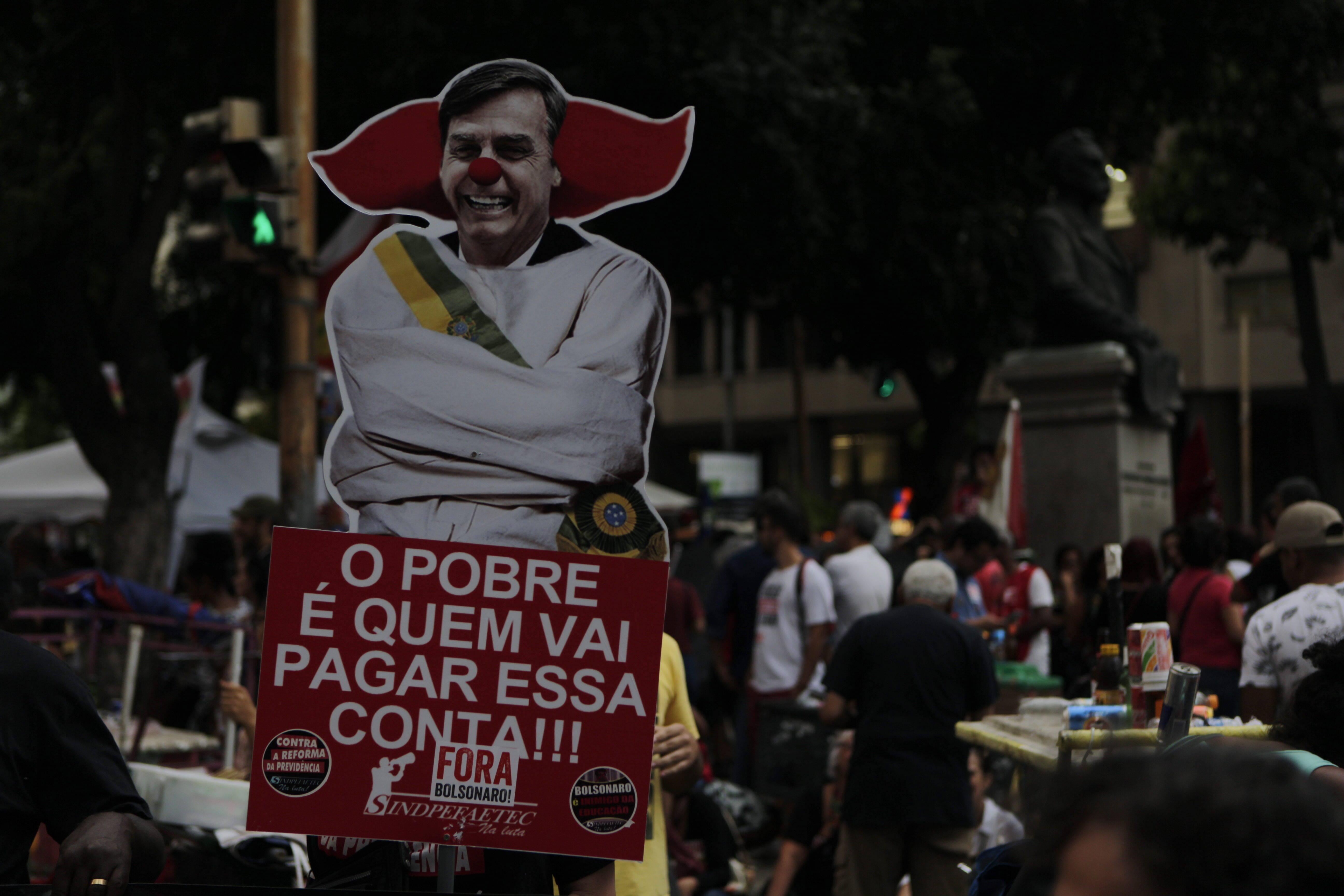 Manifestantes no Rio de Janeiro. Foto: Alexandre Cassiano / Agência O Globo