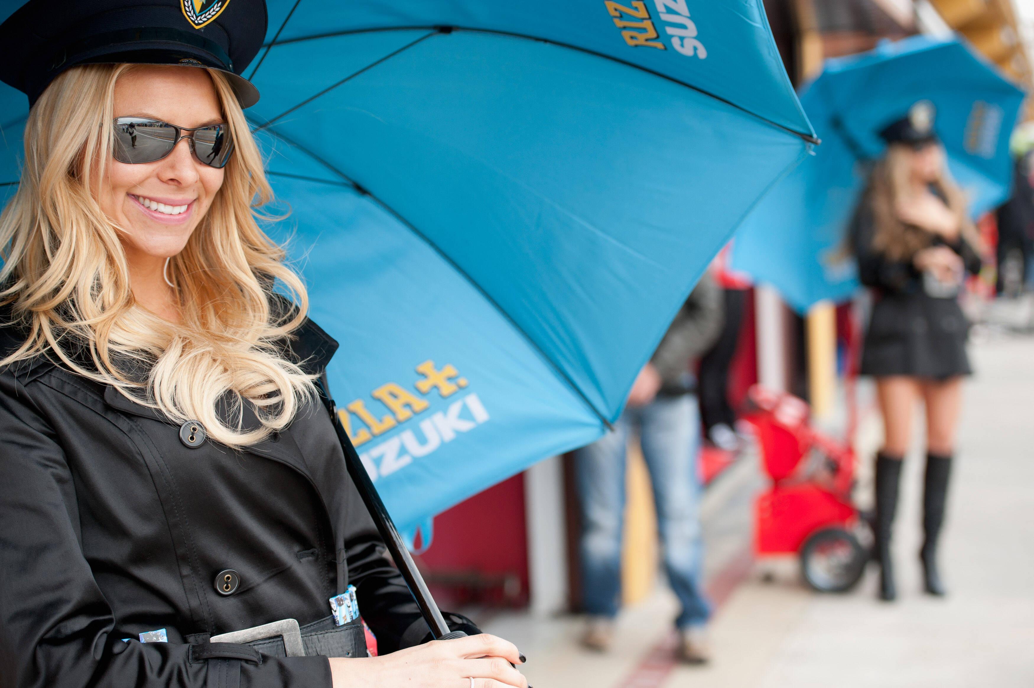 Muitas modelos estiveram presente na prova final da temporada da MotoGP. Foto: Getty Images