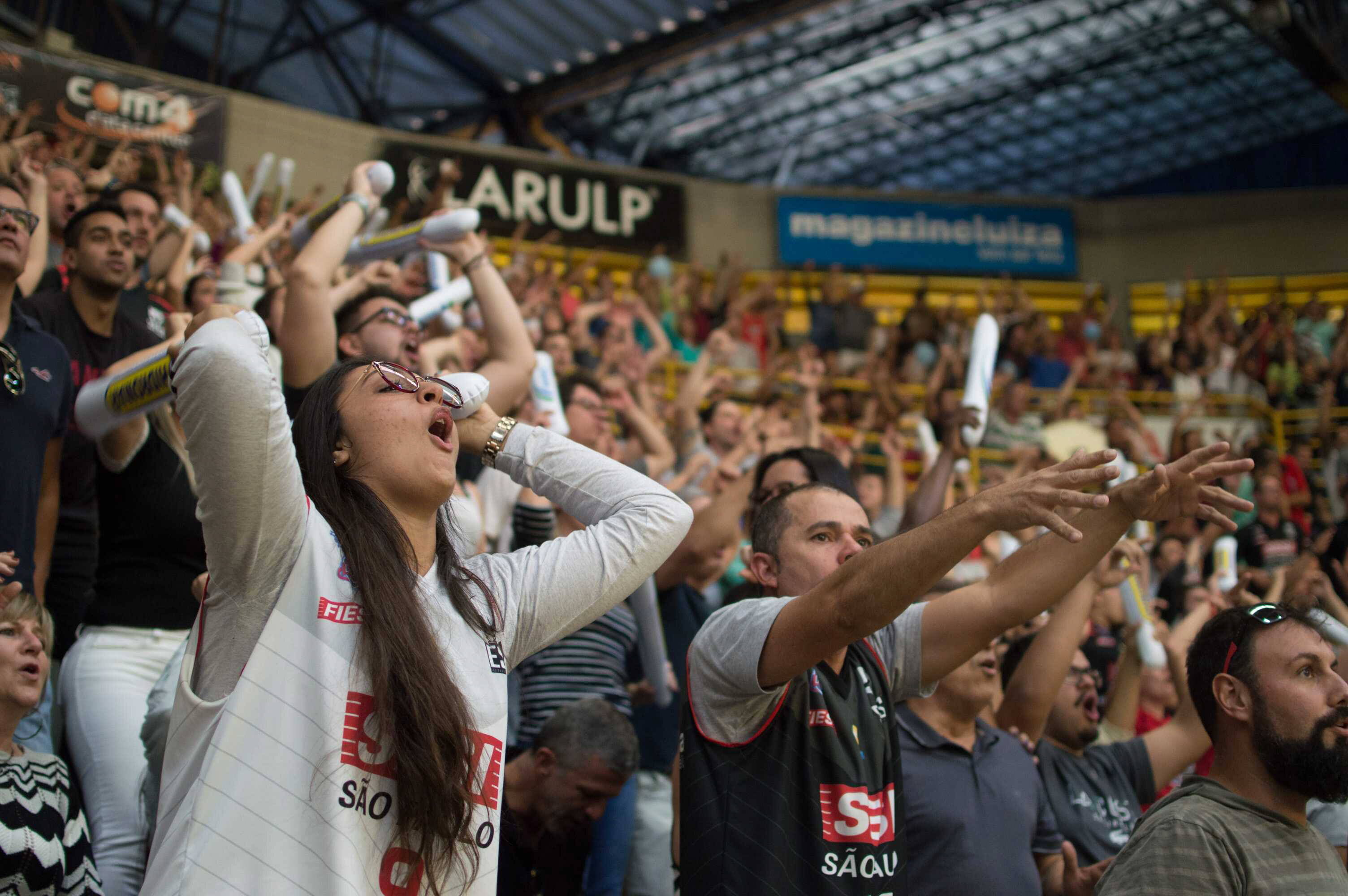 Registros do embate entre Flamengo e Franca. Foto:  Igor do Vale/ Agência O Globo