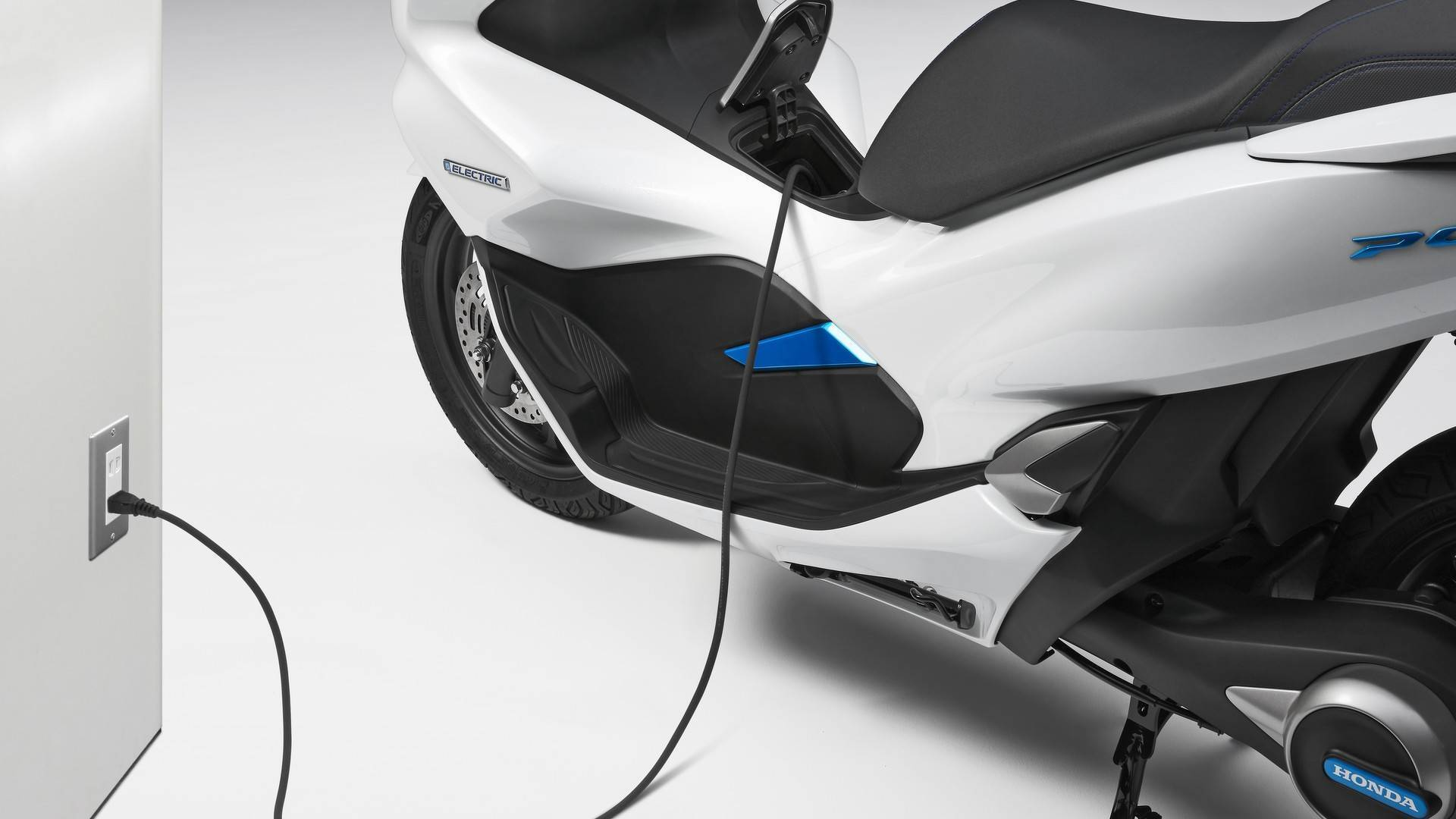 Honda PCX Hybrid. Foto: Divulgação