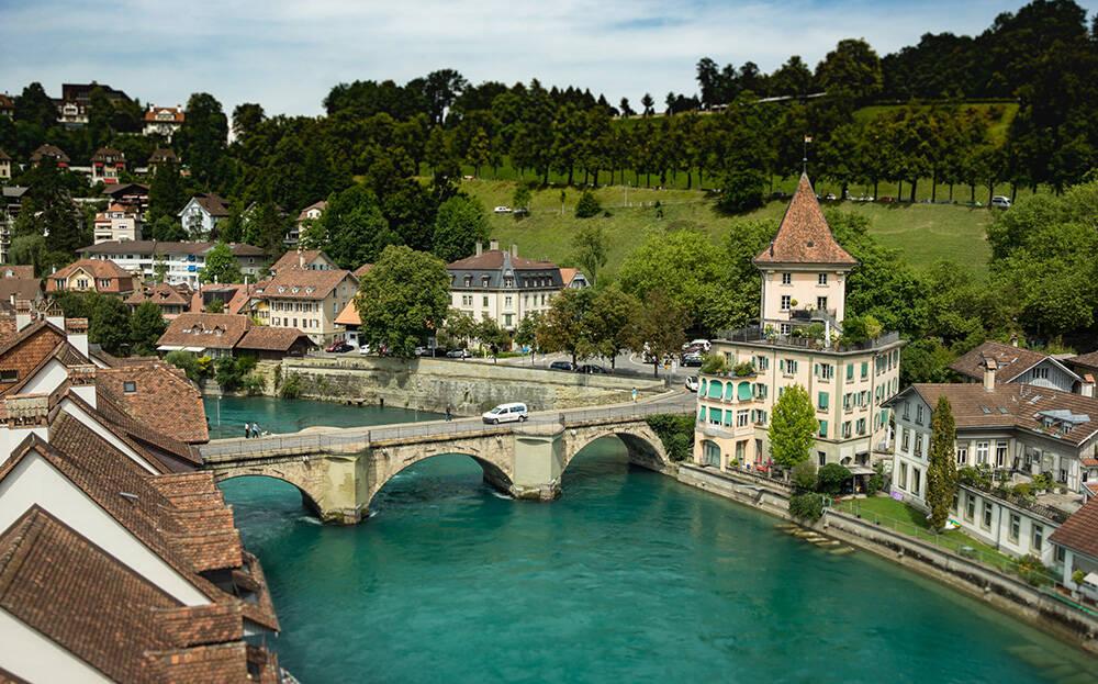 A cidade de Bern, na Suíça. Foto: Matheus Guimarães/Pexels