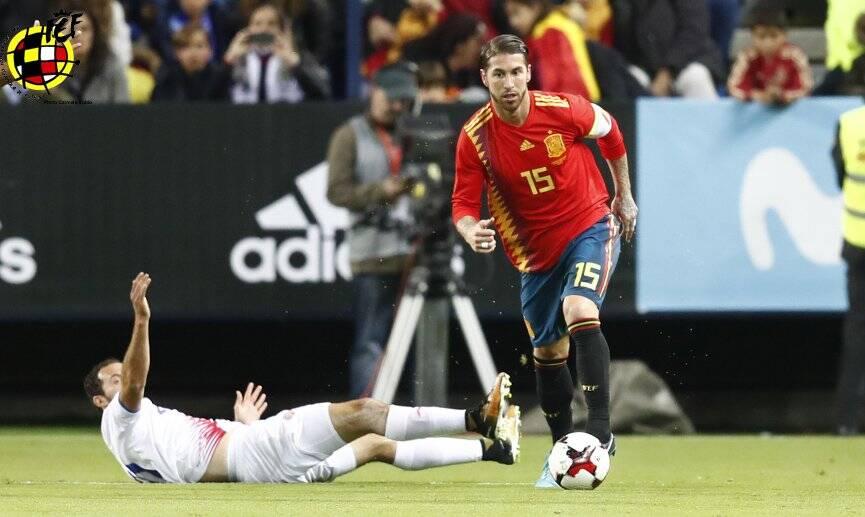 Capitão, Sergio Ramos é um dos principais jogadores da seleção espanhola. Foto: Reprodução/Twitter/SeFutbol