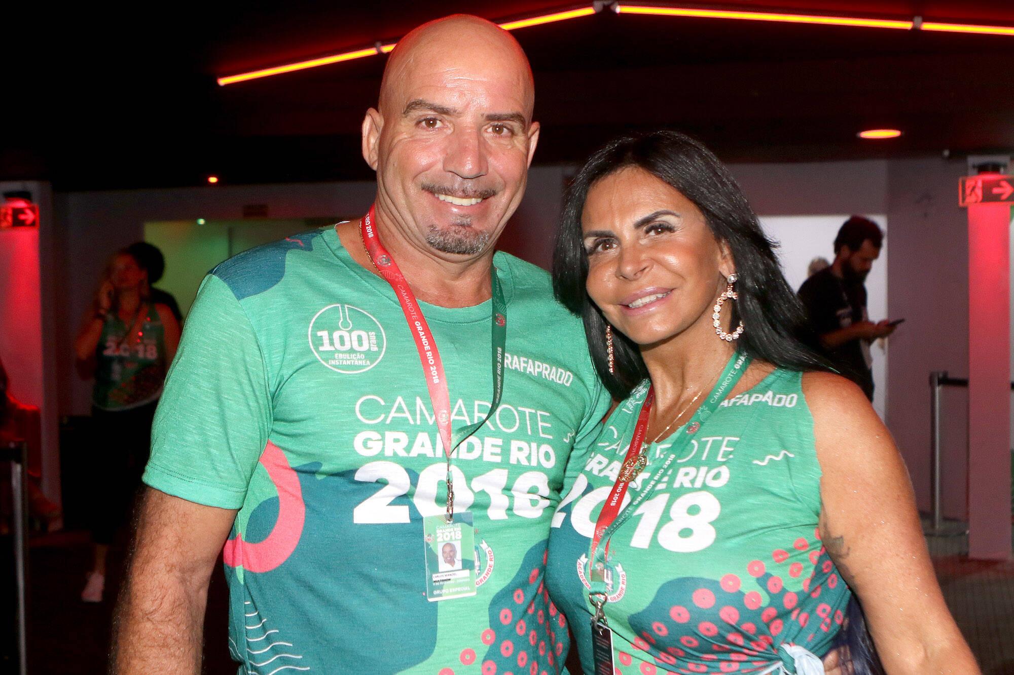 Carlos Marques e Gretchen no Camarote Grande Rio que se transformou no Cassino do Chacrinha na noite do último domingo (11). Foto: ENY MIRANDA/DIVULGAÇÃO