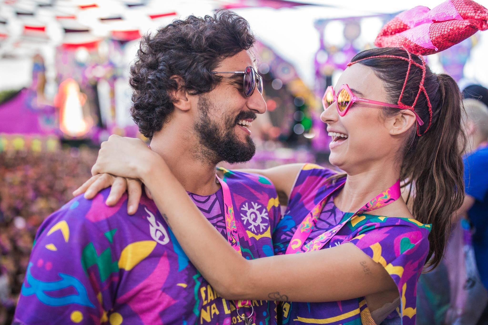 Thaila Ayala e Renato Góes em Olinda na terça-feira (13). Foto: Vinícius Ramos/4COM