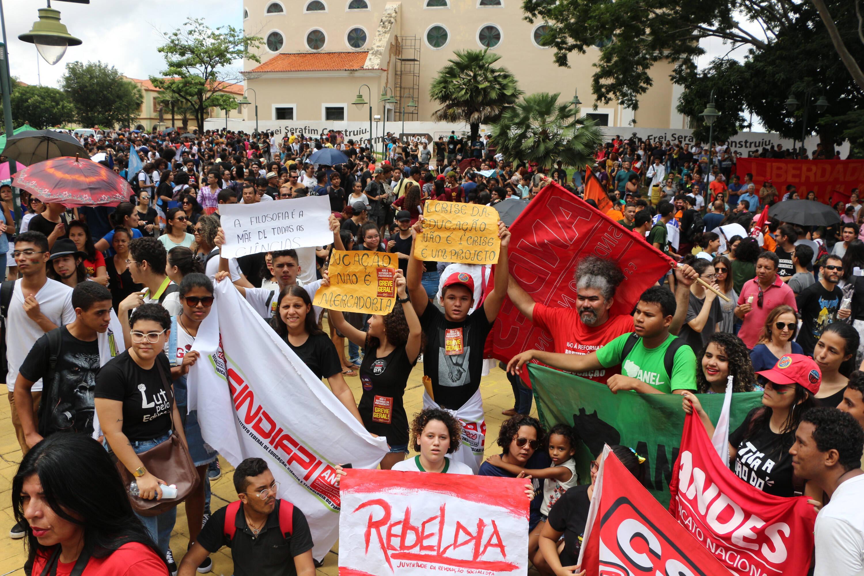 Protesto contra cortes na Educação no Piauí. Foto: Glória Tega/ Código19/ Agência O Globo