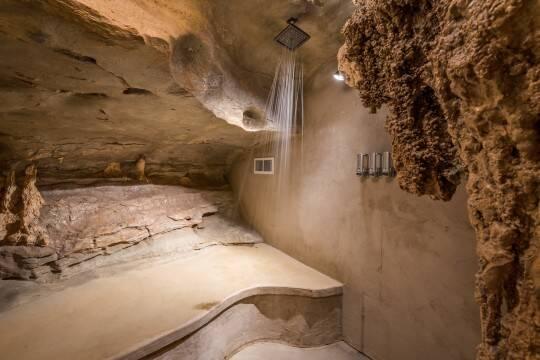 Recursos naturais, como estalactites, podem ser vistos por toda parte. Foto: Jam Press/Beckham Creek Cave Lodge