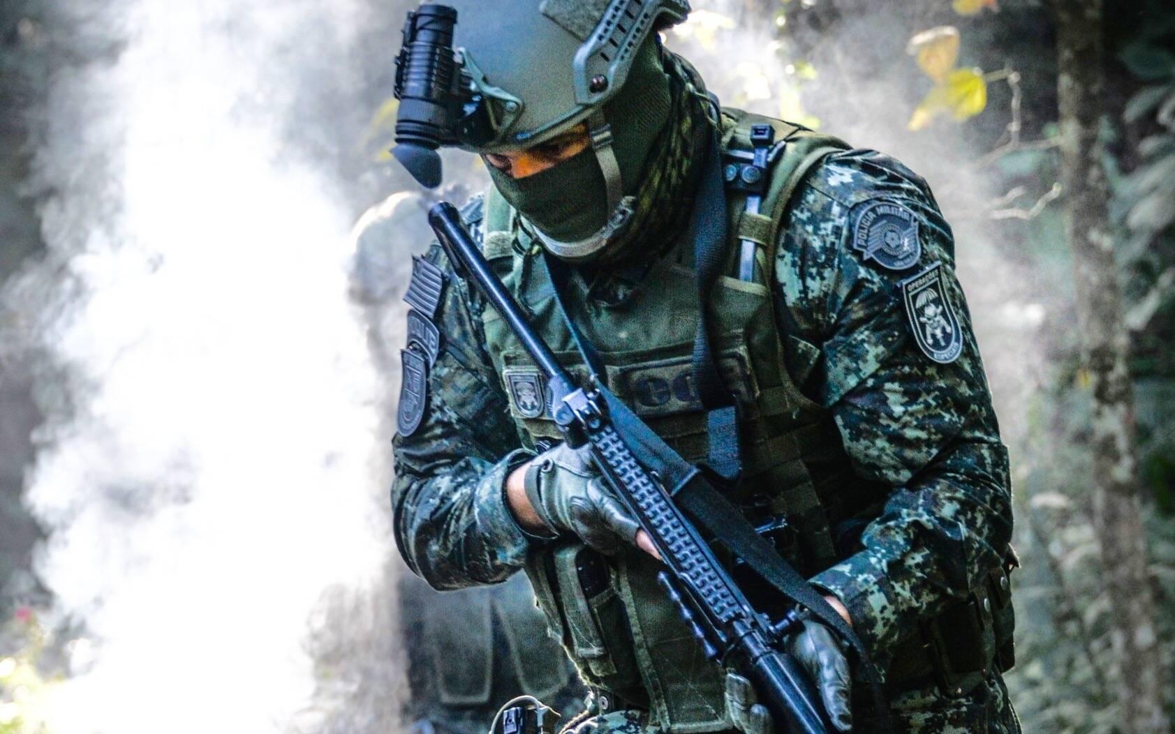 Policial do COE em treinamento de selva. Foto: Major PM Luis Augusto Pacheco Ambar