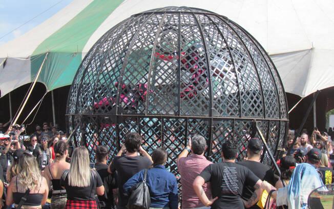 O Globo da Morte era uma das atrações no Lucky Friends Rodeo. Foto: Divulgação e Gabriel Marazzi