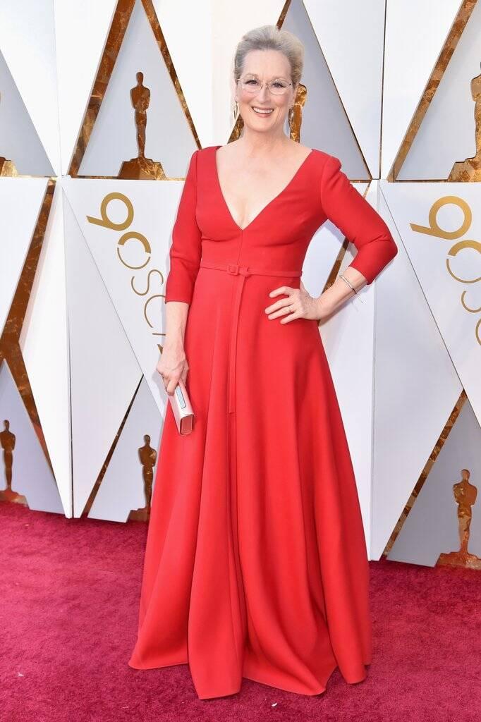 Ela não poderia faltar né. Meryl Streep esbanjou simpatia, beleza e carisma durante sua passagem no tapete vermelho do Oscar 2018 no último domingo (04)   . Foto: Jeff Kravitz/FilmMagic