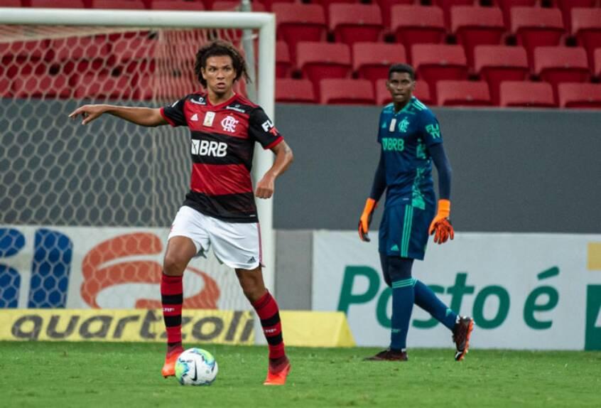 Arão, hoje no Flamengo. Foto: Lance!