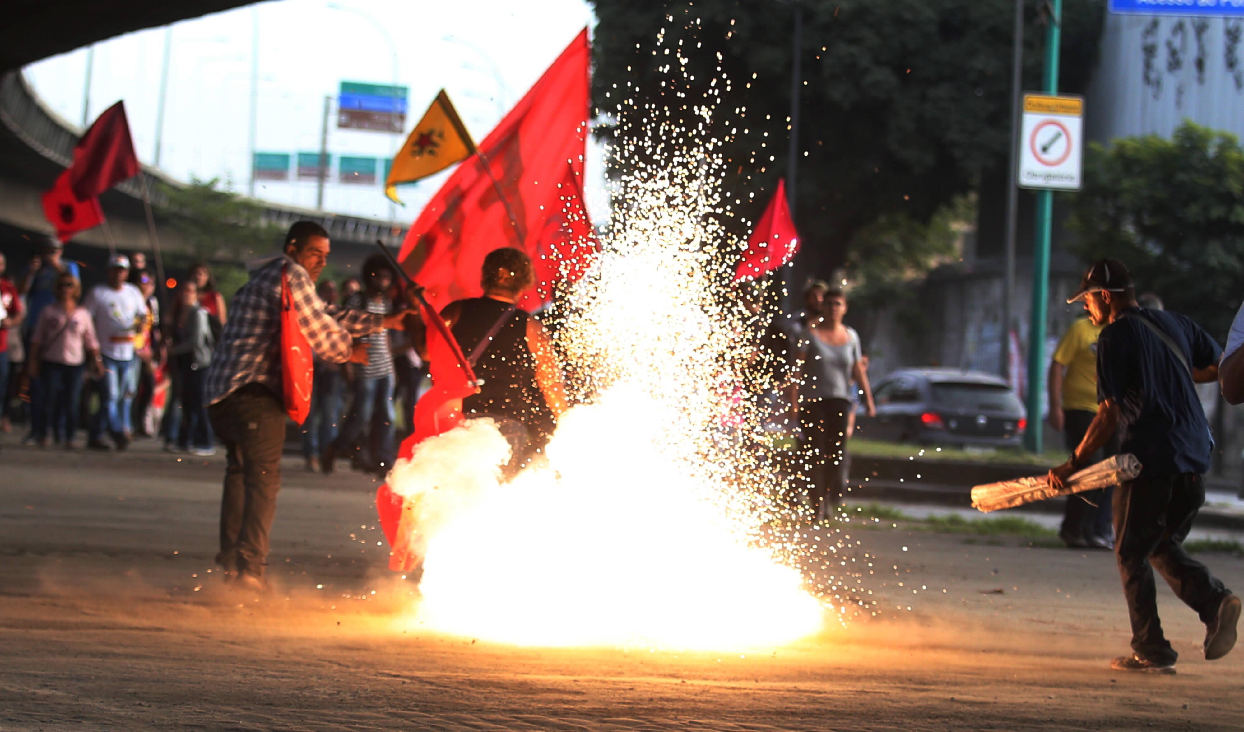 Manifestantes contrários à reforma da Previdência protestaram no Rio nesta sexta. Foto: Fabiano Rocha / Agência O Globo