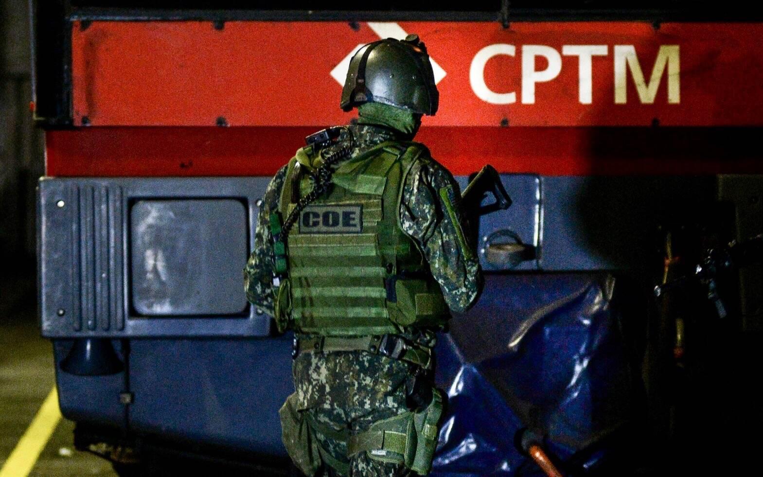 Os Operadores do COE estão habilitados a conduzir operações de tomada em estruturas tubulares, como aviões, trens, metro e ônibus. Foto: Major PM Luis Augusto Pacheco Ambar
