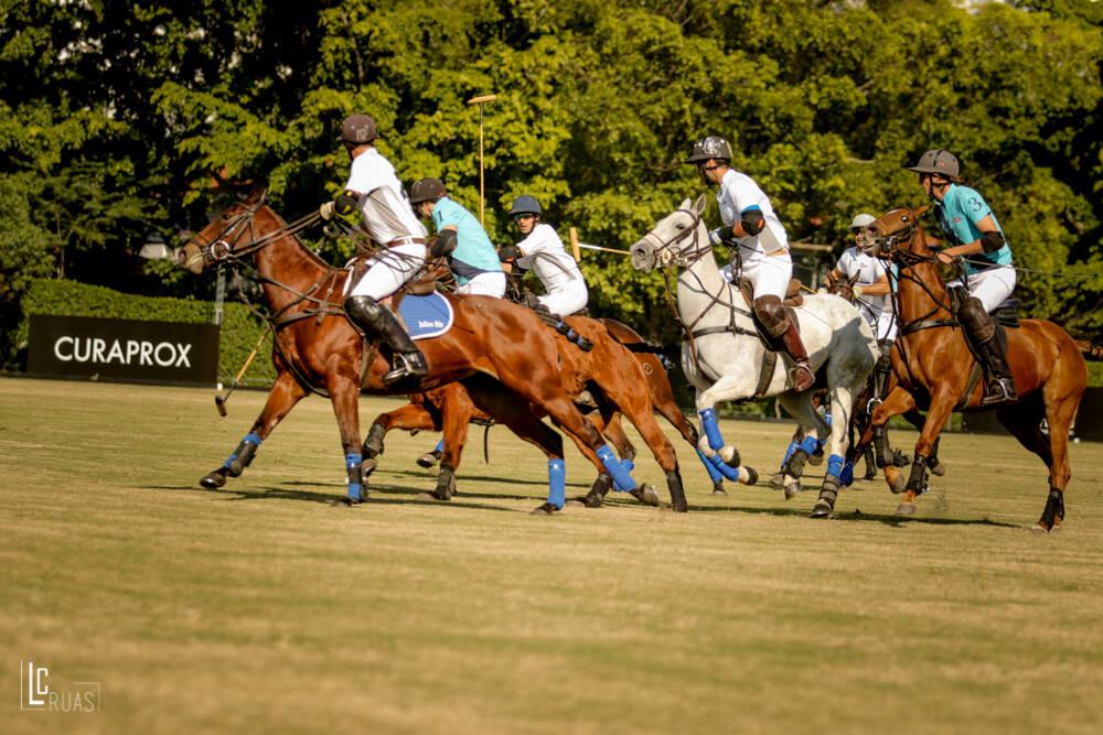 A escola da Hípica Paulista é a única de São Paulo a oferecer aulas para o aprendizado dos emocionantes jogos de polo a cavalo. Foto: Divulgação