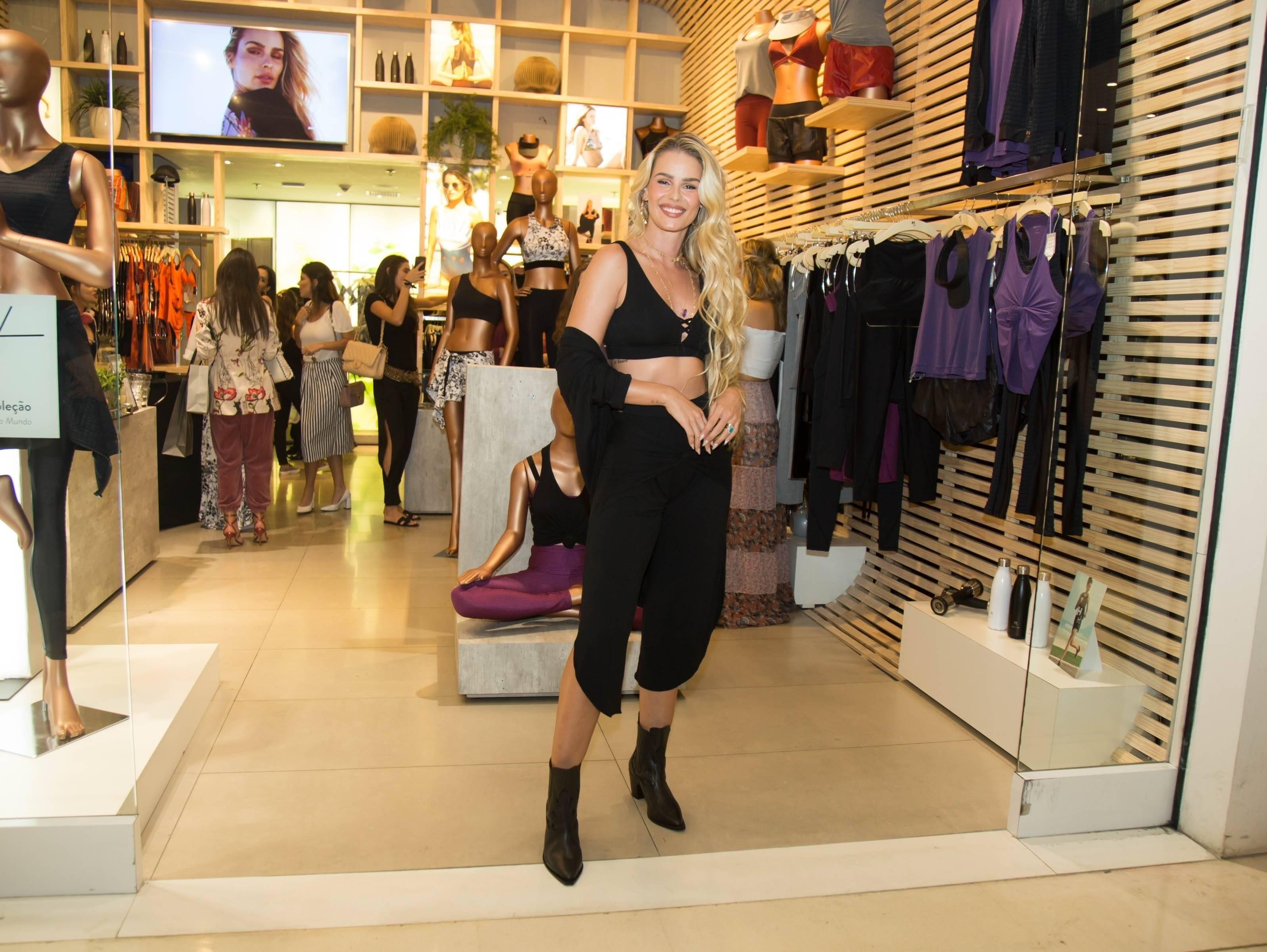 Yasmin Brunet marca presença em evento de marca de lingerie em São Paulo. Foto: Patricia Devoraes/AgNews