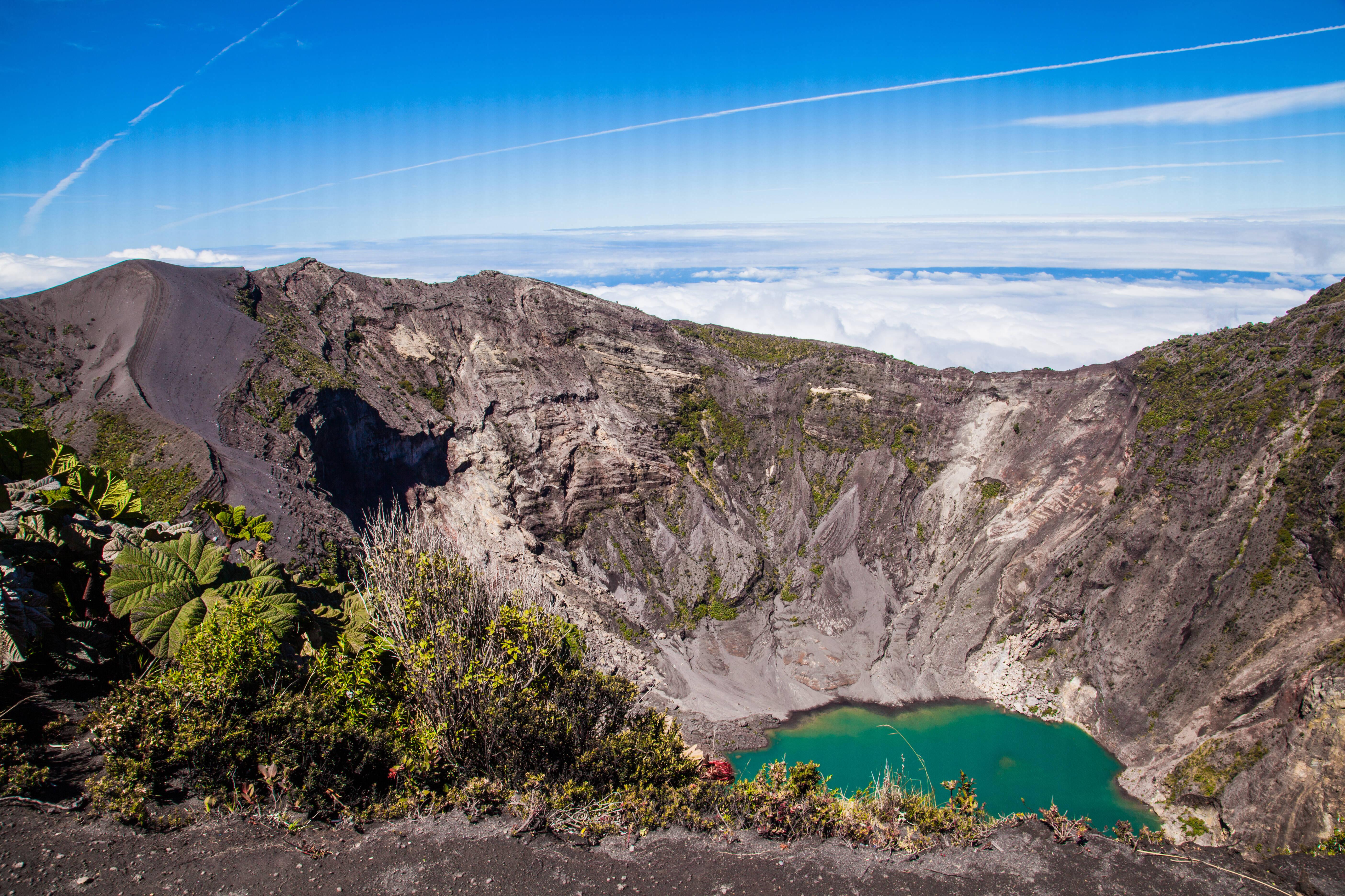 O vulcão Irazú é colossal: com 3,342 metros, ele é o mais alto de todos os vulcões da Costa Rica. Foto: shutterstock