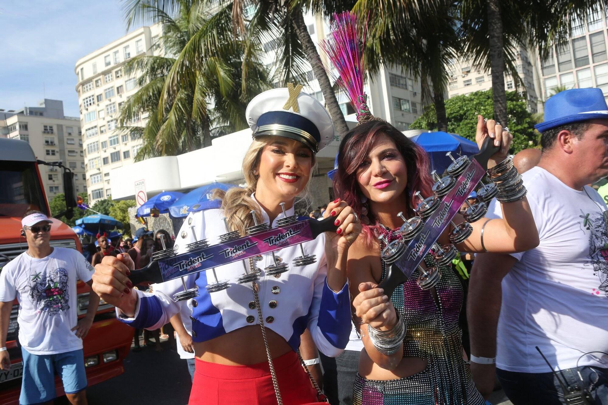 Ticiane Pinheiro ao lado de Carol Sampaio, idealizadora do Bloco da Favorita. Foto: RT Fotografia/Brazil News/CS Eventos