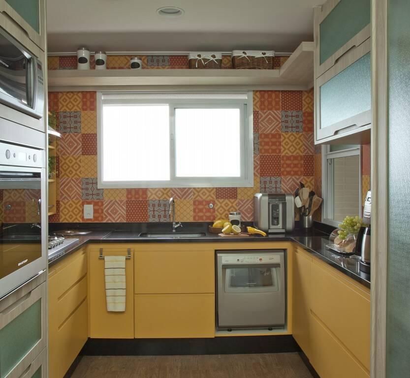 Mais um exemplo de bancada de cozinha para que você possa se inspirar. Foto: Divulgação/Andrade & Mello Arquitetura