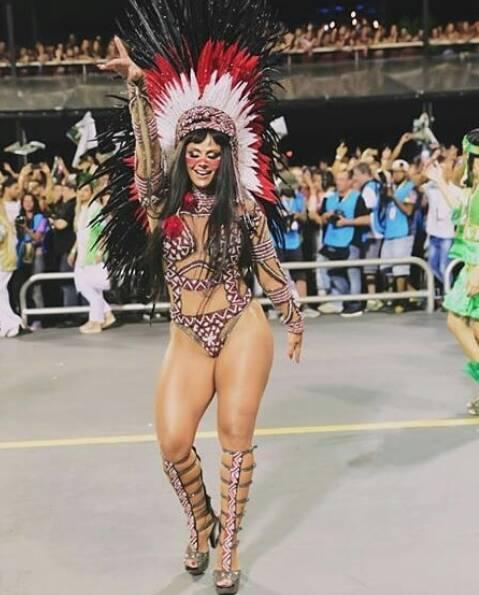 Com físico impecável, Viviane Araújo brilhou em São Paulo e no Rio. No Anhembi, foi rainha da Mancha Verde. Foto: Reprodução/Instagram