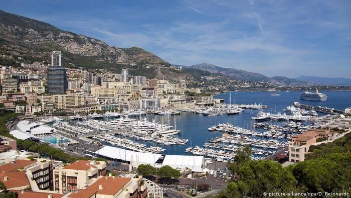 Port Hercule reúne diversas embarcações e é cartão postal de Mônaco. Foto: D. Reinhardt