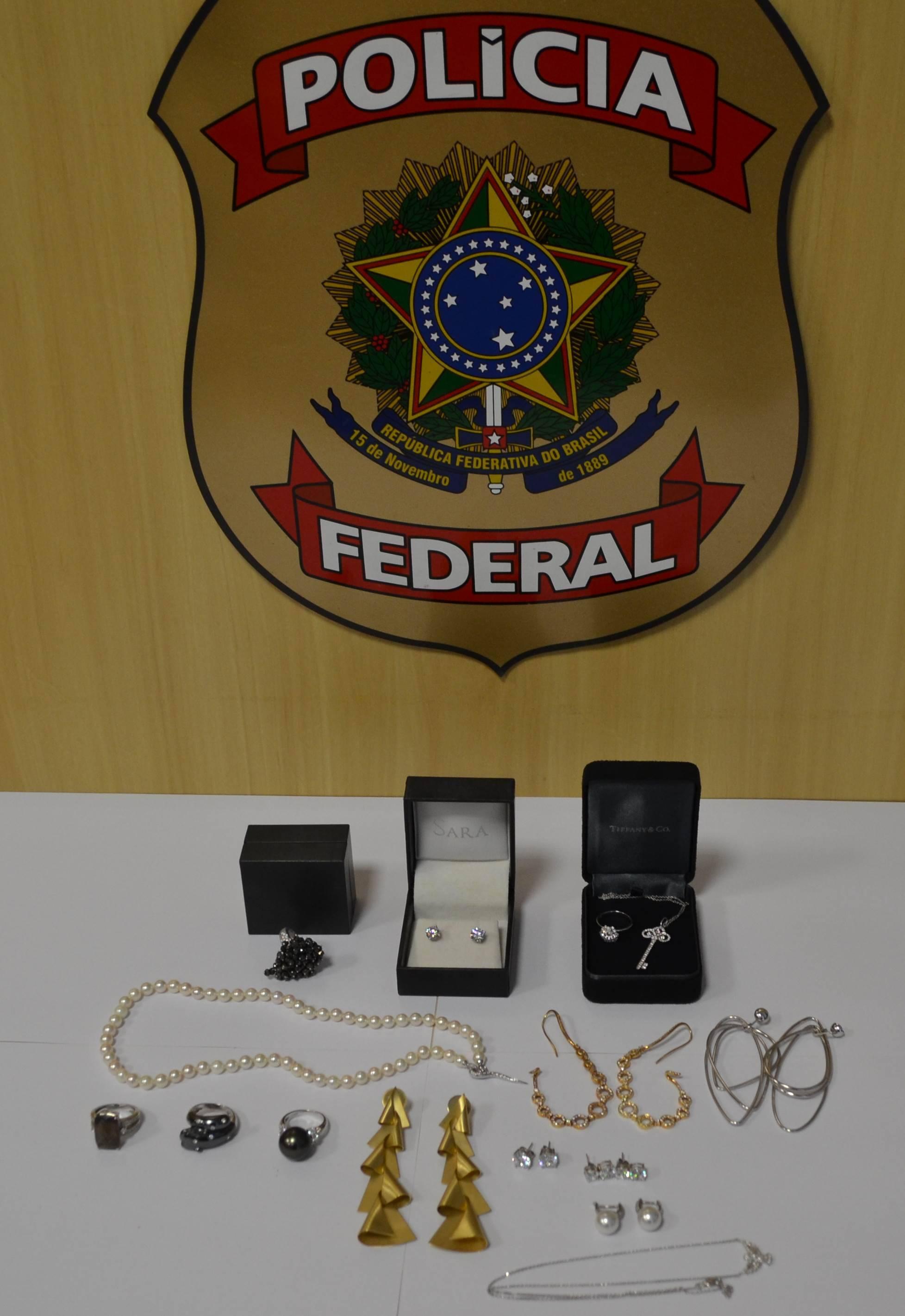 Joias de Adriana Ancelmo foram apreendidas pela Polícia Federal no Rio de Janeiro em 23 de junho. Foto: Divulgação/Polícia Federal