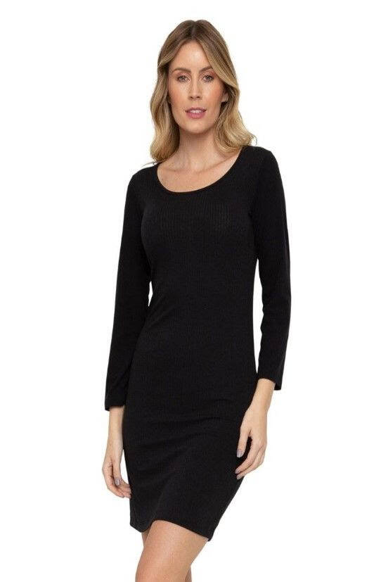 Vestido Midi preto R$ 39,99. Foto: Caedu