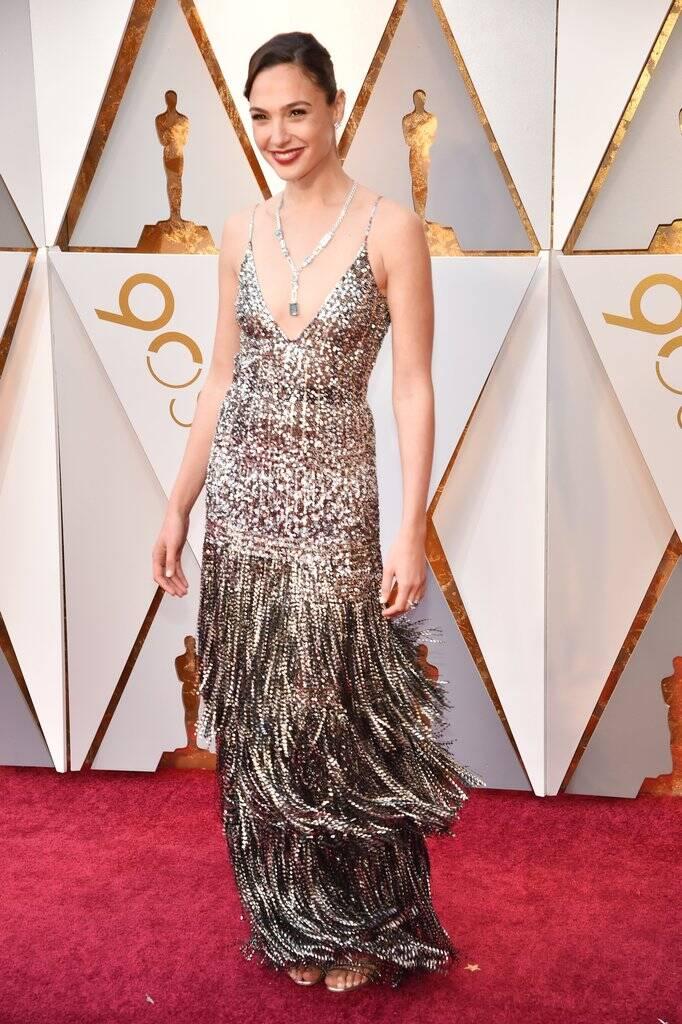 Olha ela! Gal Gadot toda glamorosa no tapete vermelho do Oscar 2018 no último domingo (04) . Foto: Kevin Mazur/WireImage