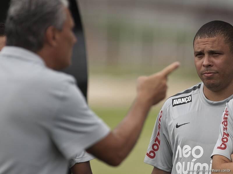 Com Tite, o Corinthians até chegou a liderar o Brasileirão, mas acabou em terceiro, após empate com o Goiás na última rodada. Foto: Daniel Augusto Jr./Agência Corinthians