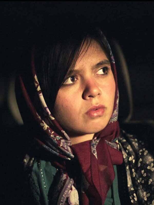 """""""3 Faces"""": Uma famosa atriz iraniana recebe um vídeo de uma jovem pedindo por ajuda para escapar de sua família conservadora. Com a ajuda de um amigo ela tenta descobrir se o vídeo é de fato real. Para isso eles seguem o caminho para a aldeia da garota, onde tradições ancestrais continuam a ditar a vida local. Foto: Divulgação"""