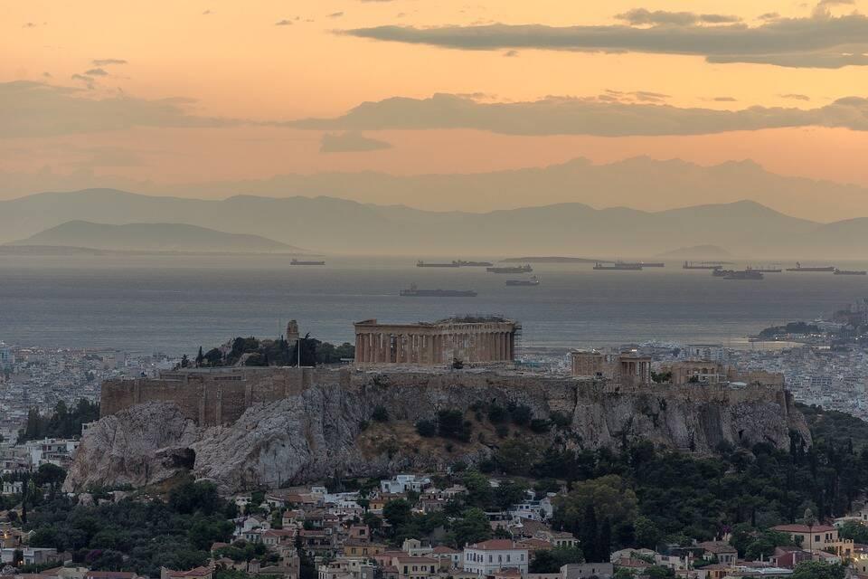 Partenon visto de longe . Foto: Pixabay