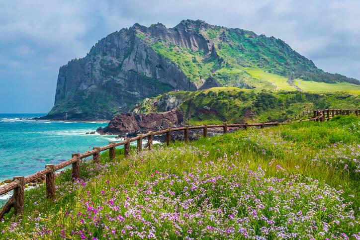 Montanhas e vegetação arrematam vista e clima calmo. Foto: Reprodução