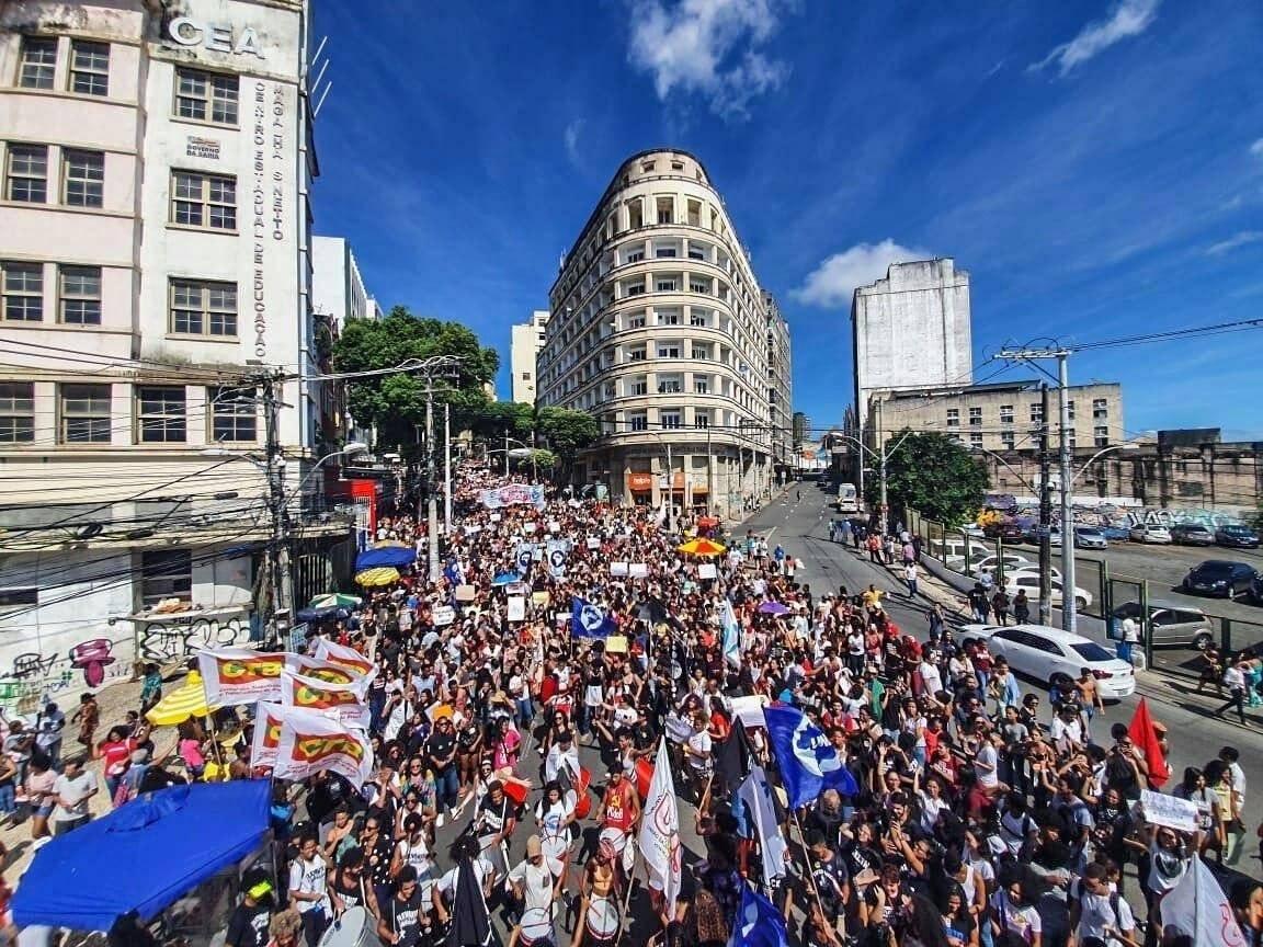 Manifestação de estudantes no centro de Salvador. Foto: Felipe Milanez/UNE
