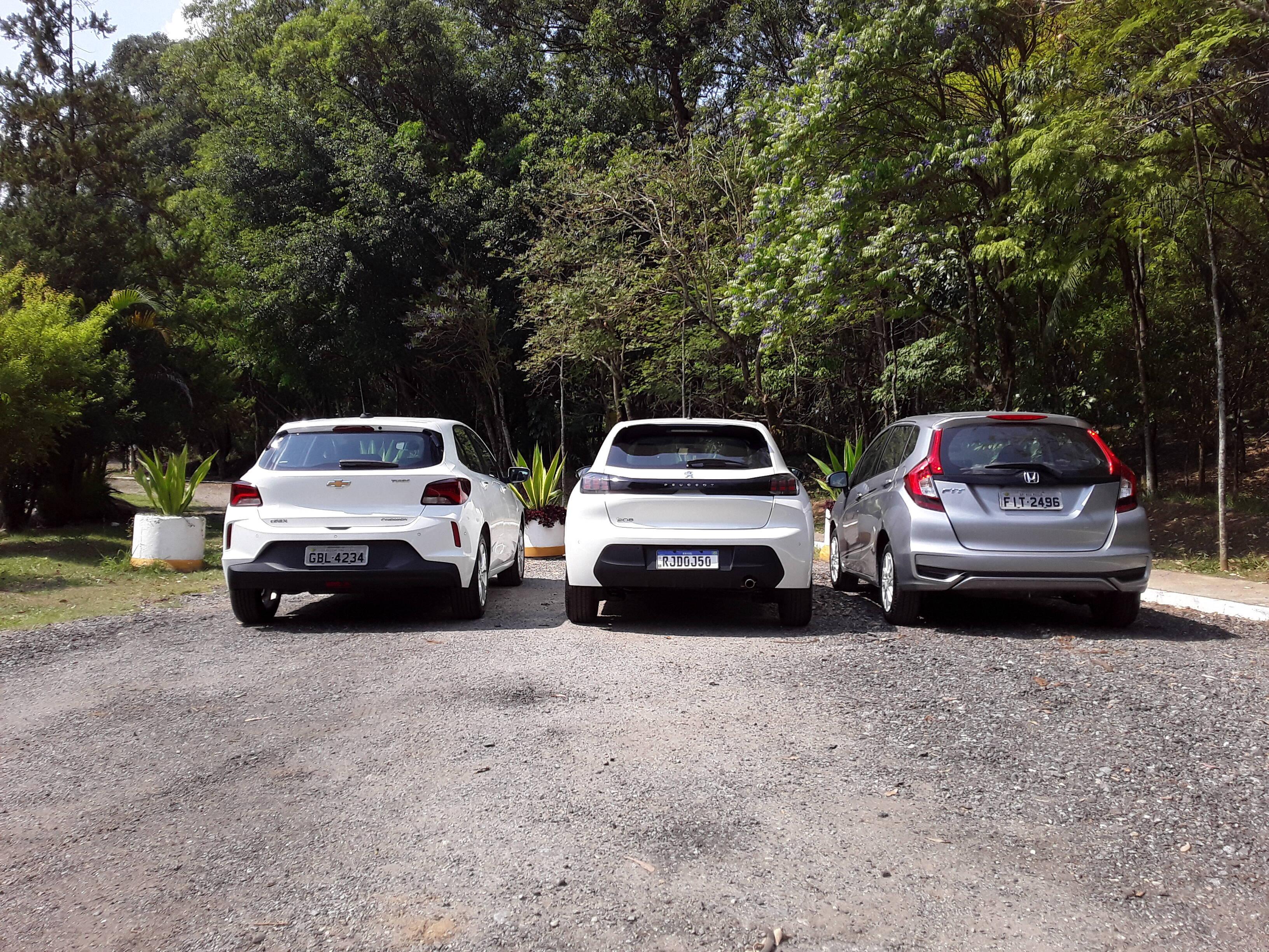 Peugeot 208 enfrenta os rivais Chevrolet Onix e Honda Fit. Foto: Carlos Guimarães/iG