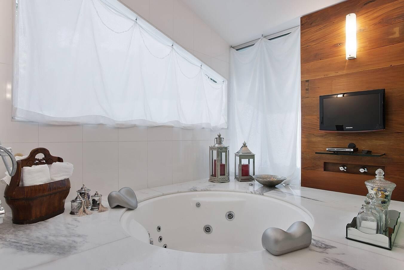 Projeto de Fernanda Andrade mostra opçõa de banheira; veja. Foto: Fernanda Andrade